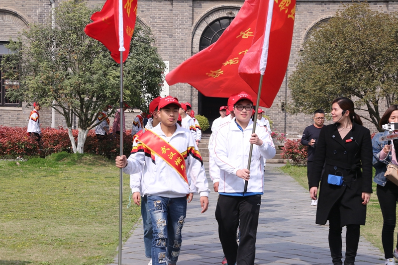 大学生参与文化志愿服务 助力建设 志愿者之城